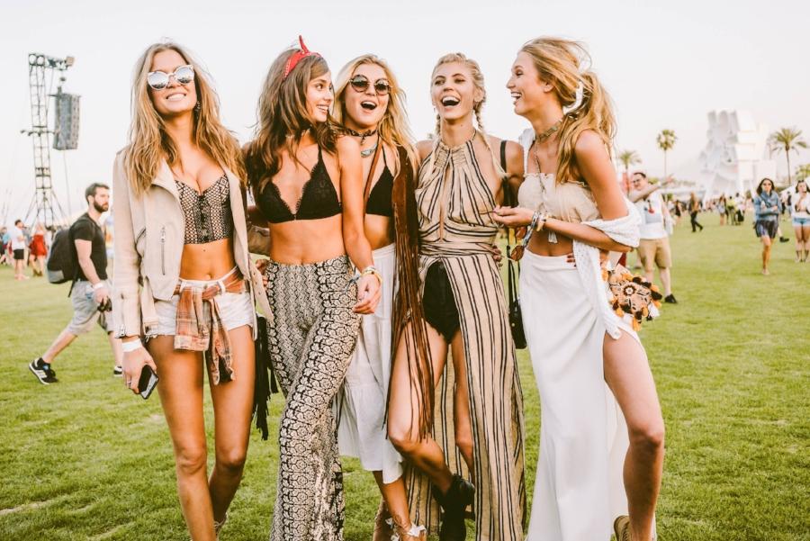 idealne fryzury na festiwal